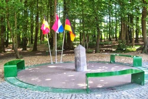 Bỉ-HoàLan-Đức